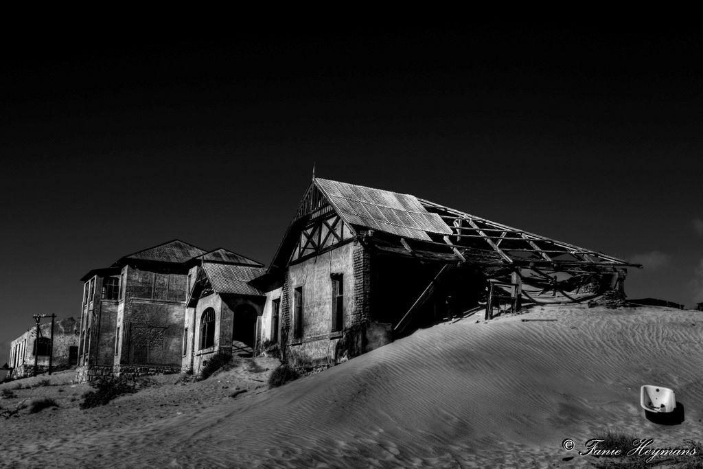 spooky-old-buildings-at-kolmanskop-ghost-town-1024x683.jpg